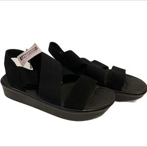 NWT SKECHERS Bumblers Super Style Black Sandals